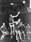 1948 TITLE: U.S. wins over Mexico in basketball, Action scene at semi-final Olympic basketball game.